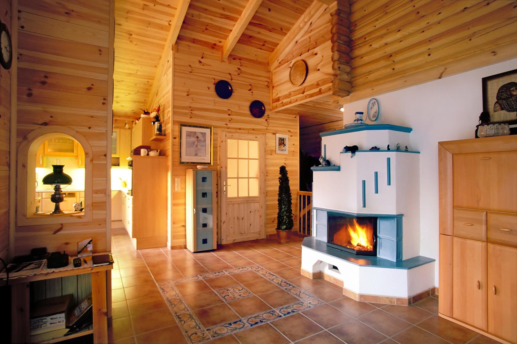 Ein kachelofen f r ihr eigenheim infoportal zum thema haus - Holzwand innen ...