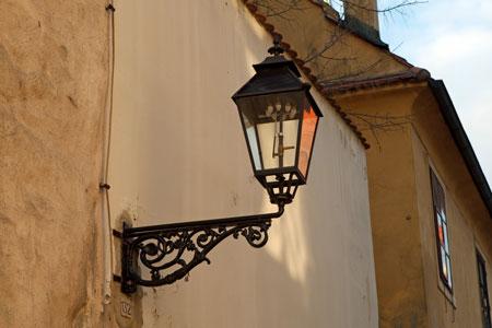 Klassische Außenbeleuchtung mit besonderem Flair