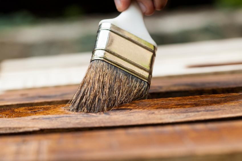Eine Holzlasur geht ganz einfach