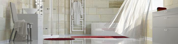 Ein Bad sinnvoll planen mit hochwertigen Badewannen und Duschkabinen