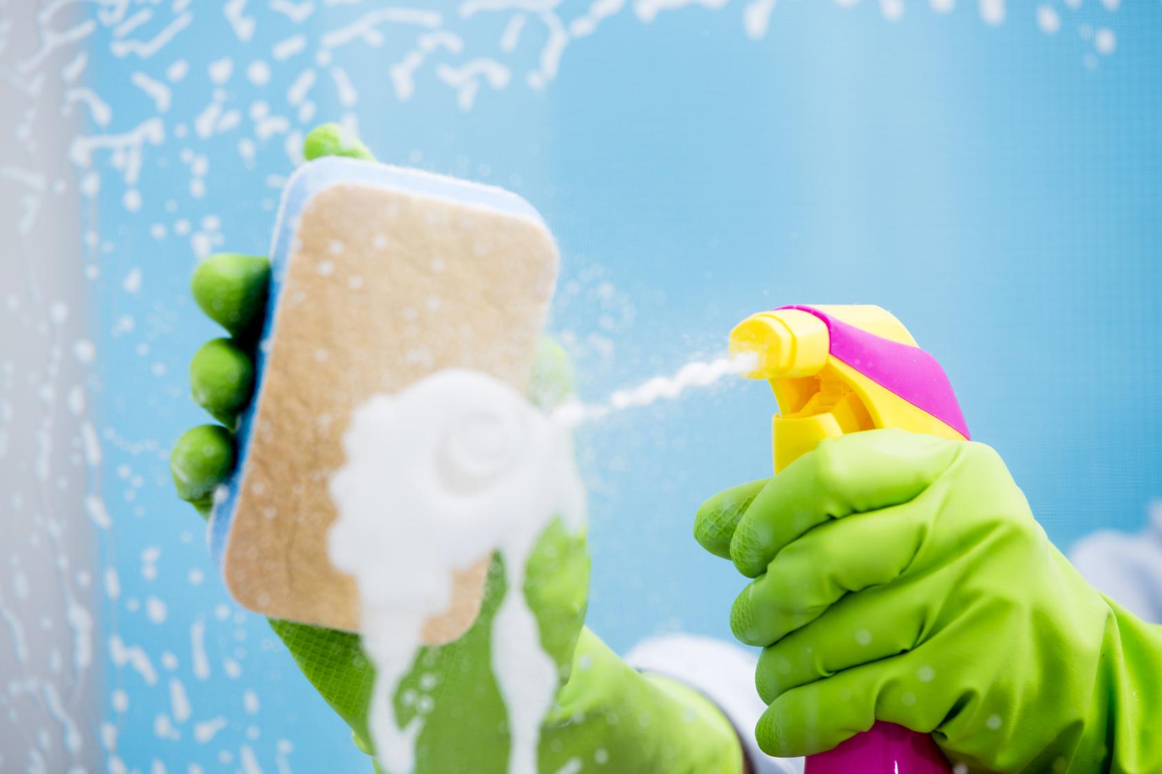 Nie wieder Fenster putzen – mit Fenstern, die sich von selbst reinigen