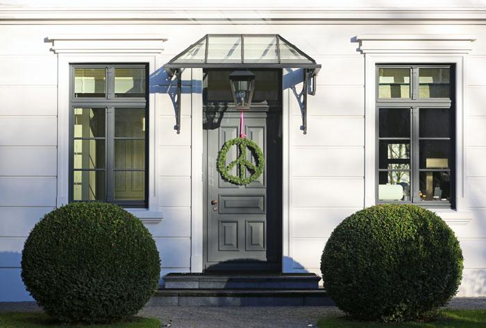 Ein Vordach aus Glas – Selbstanbau oder Profiauftrag?