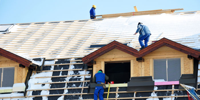 Baustelle und Rohbau schützen im Winter – ist sehr wichtig