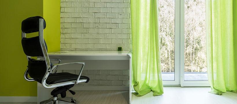 auf diese 5 punkte sollte man beim kauf eines b rostuhls. Black Bedroom Furniture Sets. Home Design Ideas