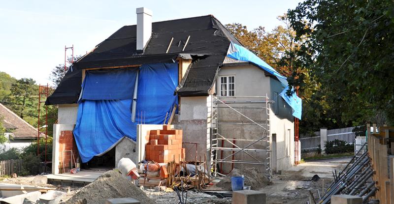 Bei der Sanierung des eigenen Hauses Geld sparen