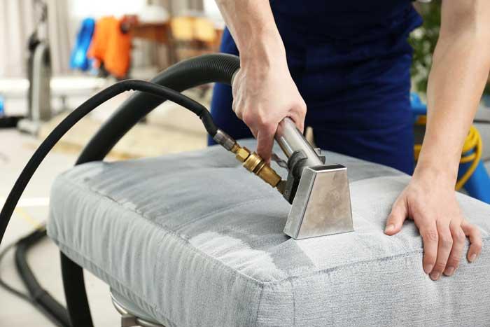 Thema Möbelpflege – Polsterreinigung besser den Profis überlassen