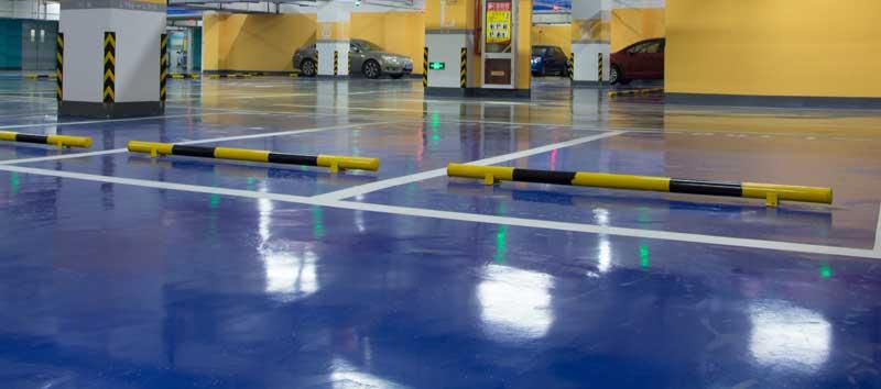 Den Garagenboden mit Epoxidharz sanieren