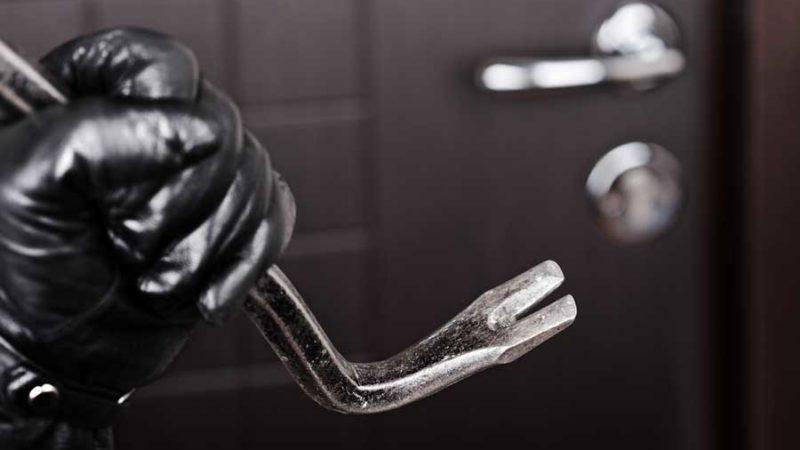 Mit Schloss und Riegel: So schützt man sich vor Einbrechern