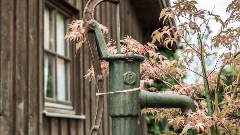 Brunnen im eigenen Garten selber bohren: So ist es möglich