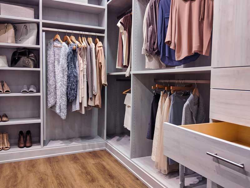 Kleiderschrank: So planen Sie ihn richtig