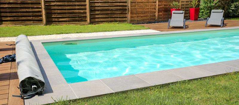 Pool auf die Badesaison vorbereiten